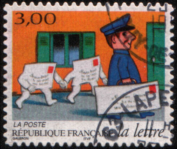 timbre: La lettre : facteur du courrier et deux plis le suivant