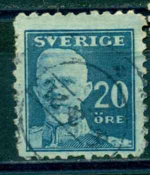 timbre: Gustave V dentelé sur 4 côtés