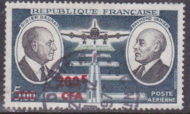 timbre: Daurat et Vanier surchargé 200f
