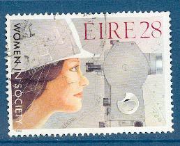 timbre: La femme dans la société.