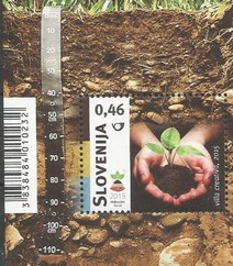Timbre: International Year of Soils    Le Bloc